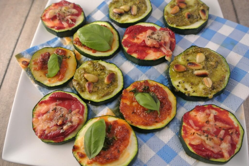 Mini courgette pizza's