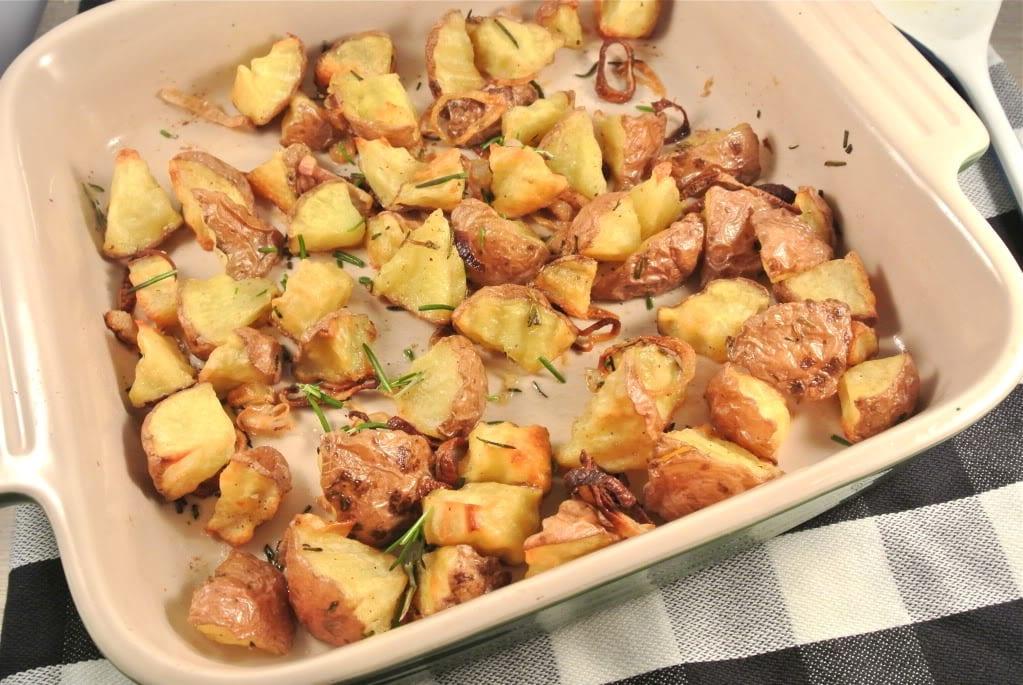 Geroosterde aardappeltjes met rozemarijn en sjalotjes