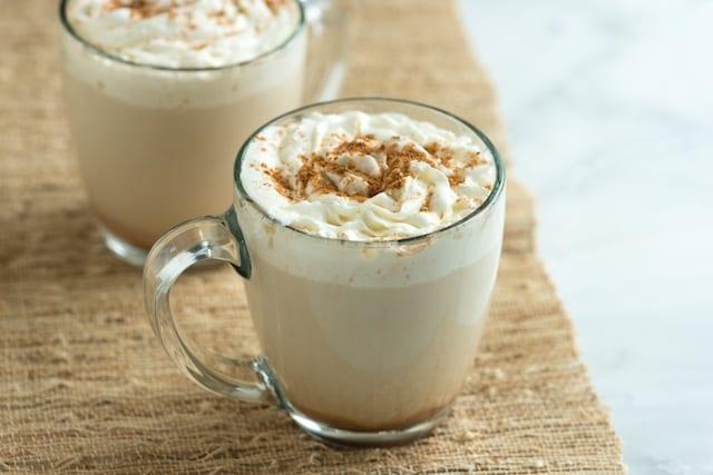 Zelfgemaakte pumpkin spice latte
