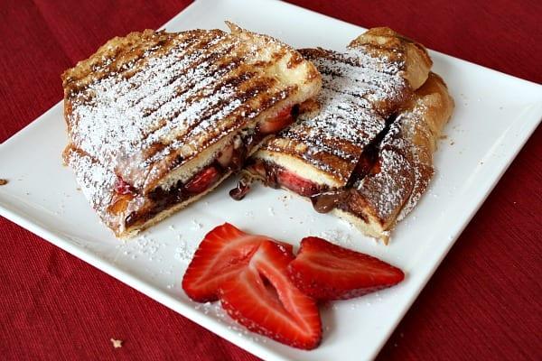 Nutella-aardbeien tosti