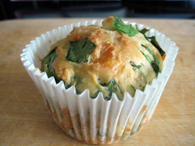 Feta-cheddar-spinazie muffins