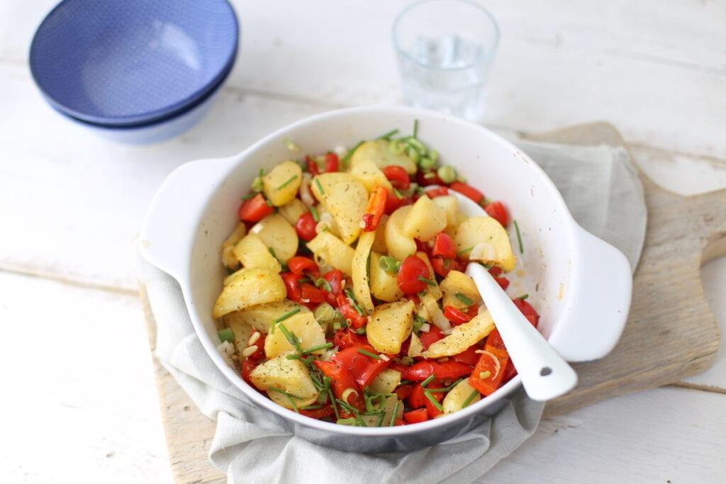 Zomerse aardappelsalade met paprika