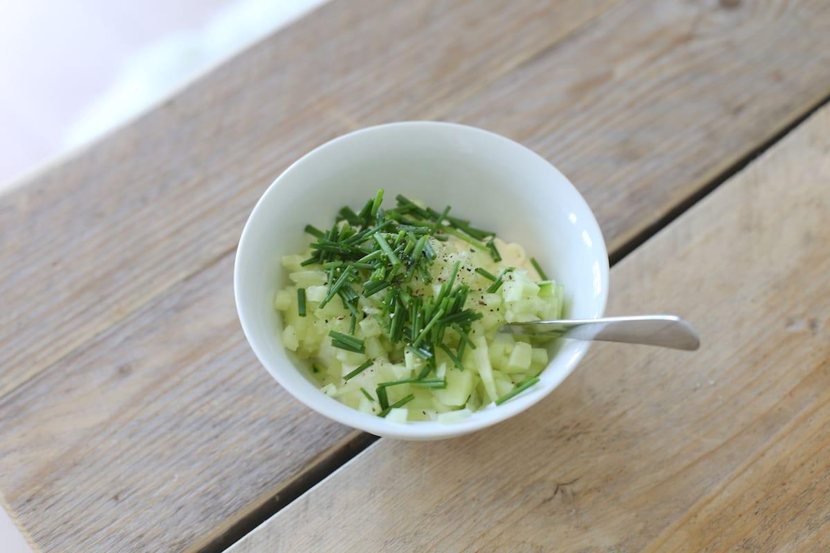 Frisse yoghurtdip met knoflook