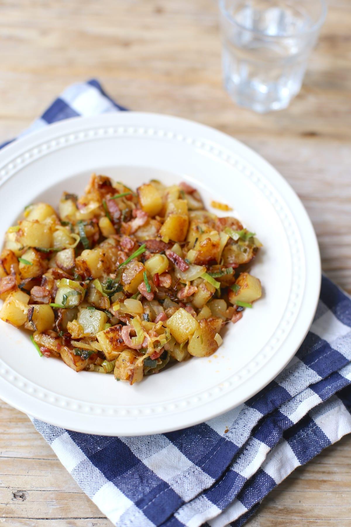 Aardappeltjeschotel met spek en prei