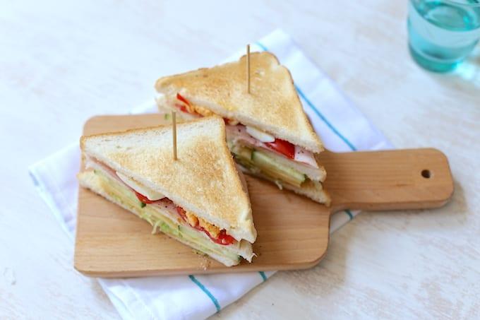 Clubsandwich met ham en kaas