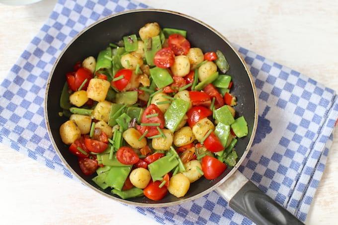 eenpansgerecht met aardappel en peultjes - lekker en simpel