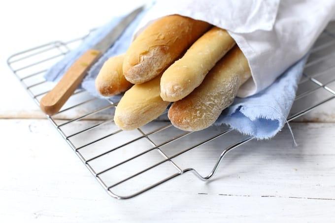 Zelfgemaakte broodstengels