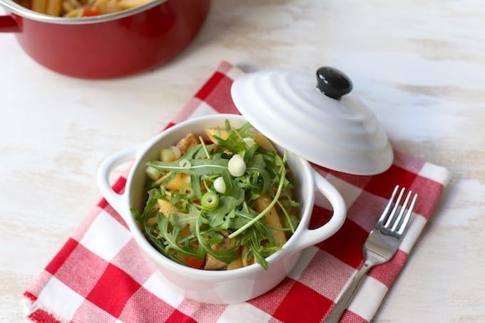 Eenpansgerecht met pasta en kip