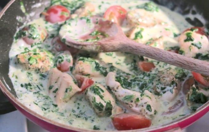 Romige pasta met spinazie en kip