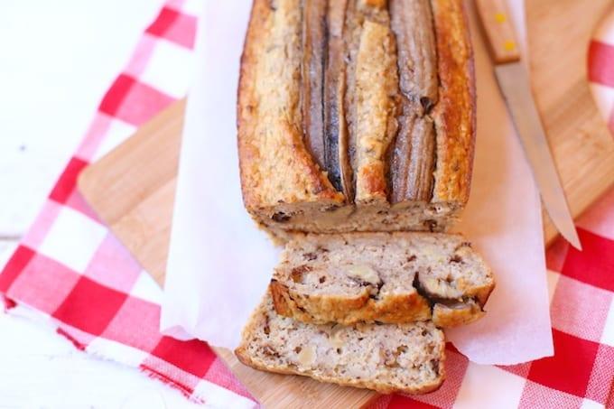 Bananenbrood met hazelnoten en chocola