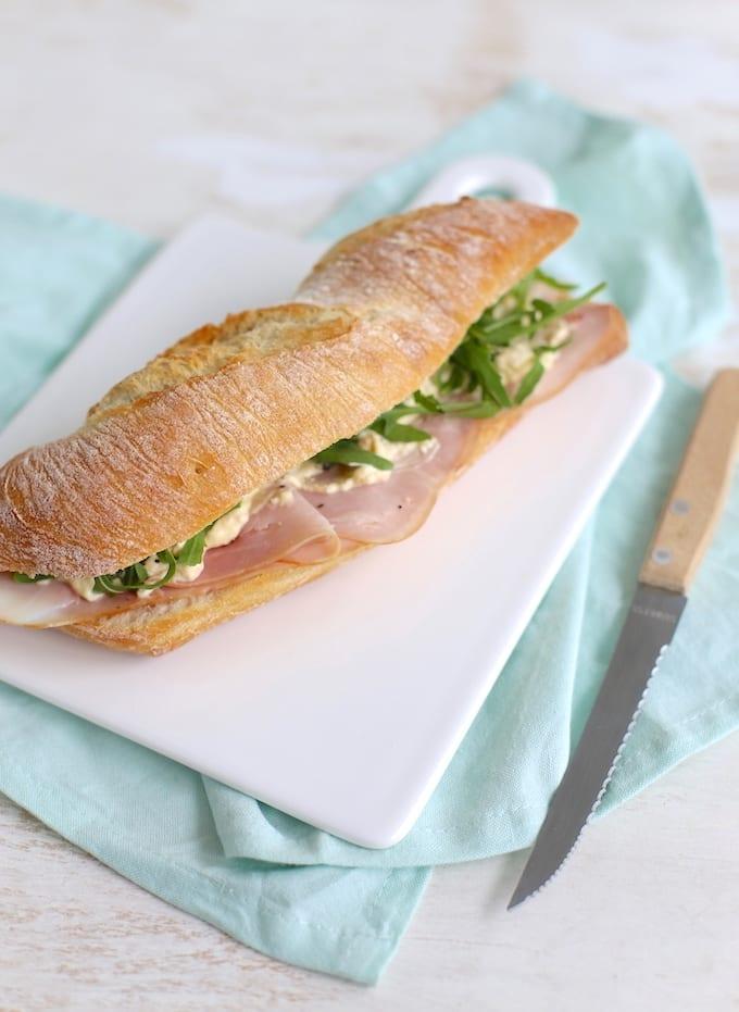 Broodje eiersalade met ham
