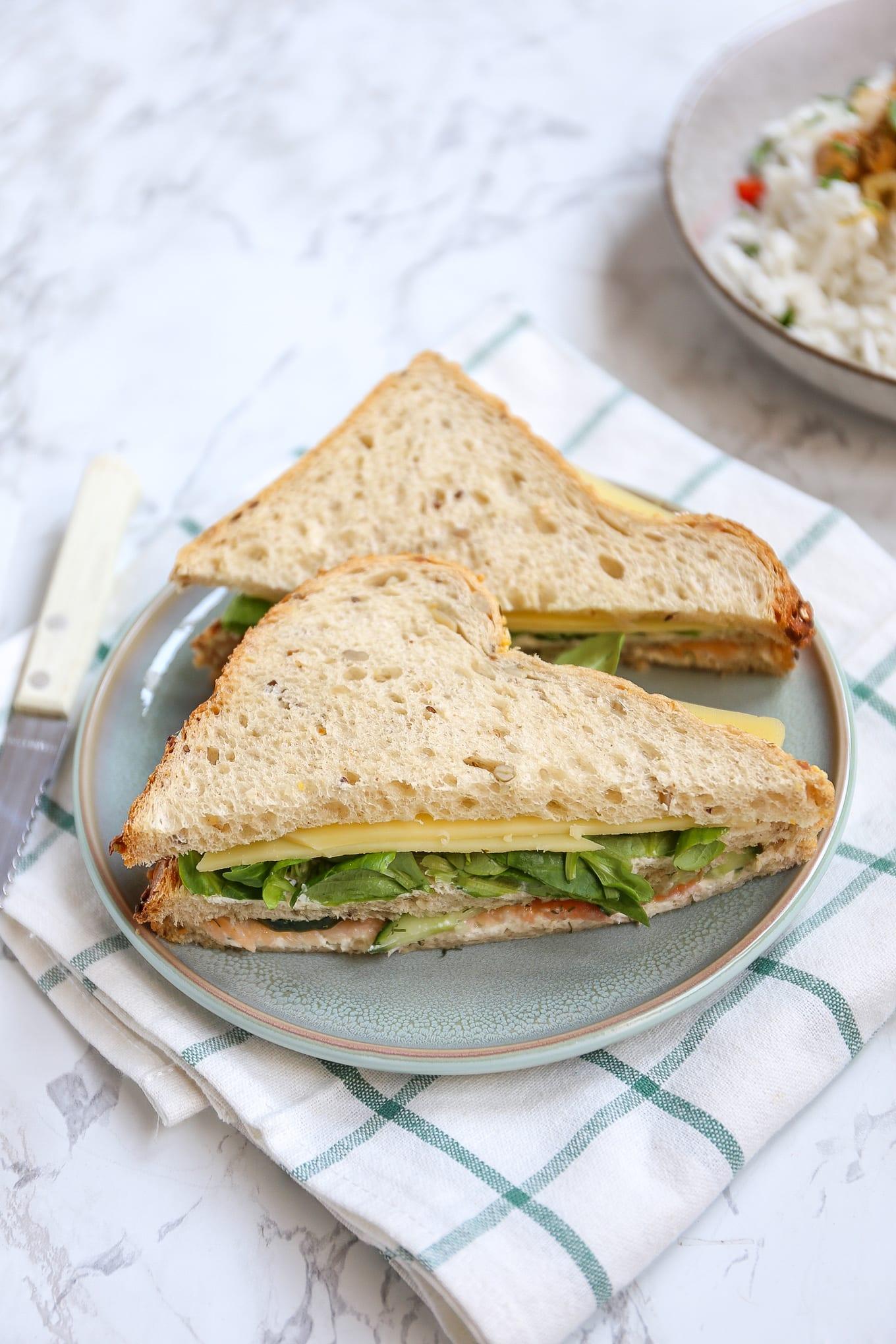 Club sandwich met gerookte zalm