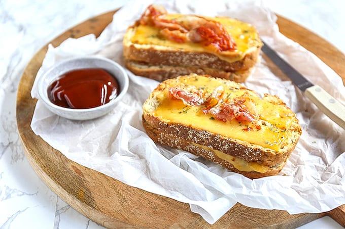 BBQ tosti met spek