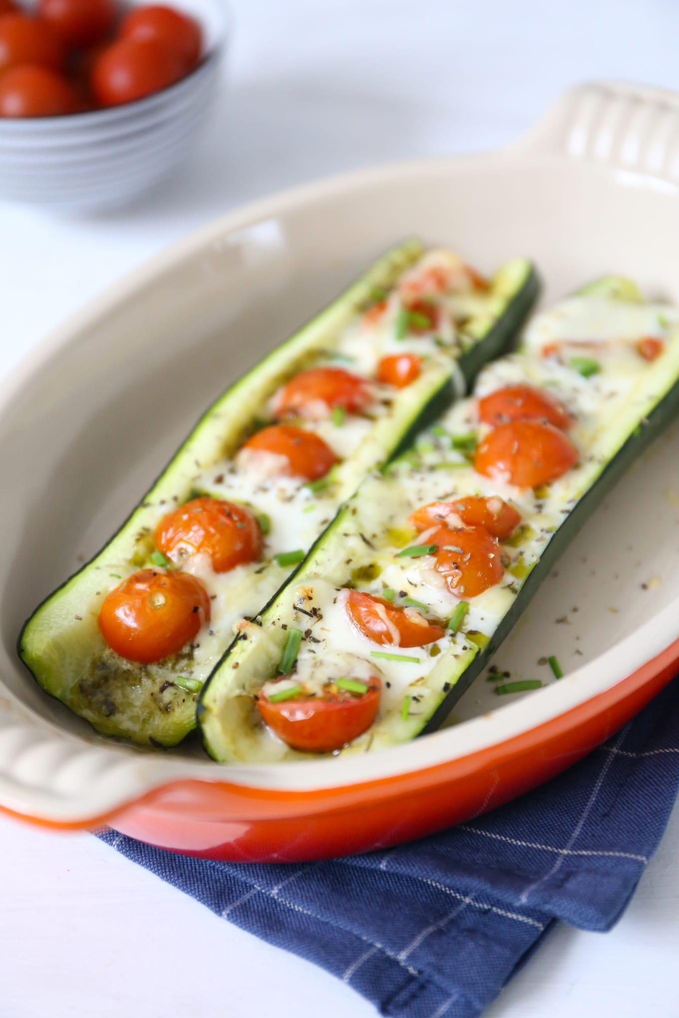 Gevulde courgette met tomaat en mozzarella