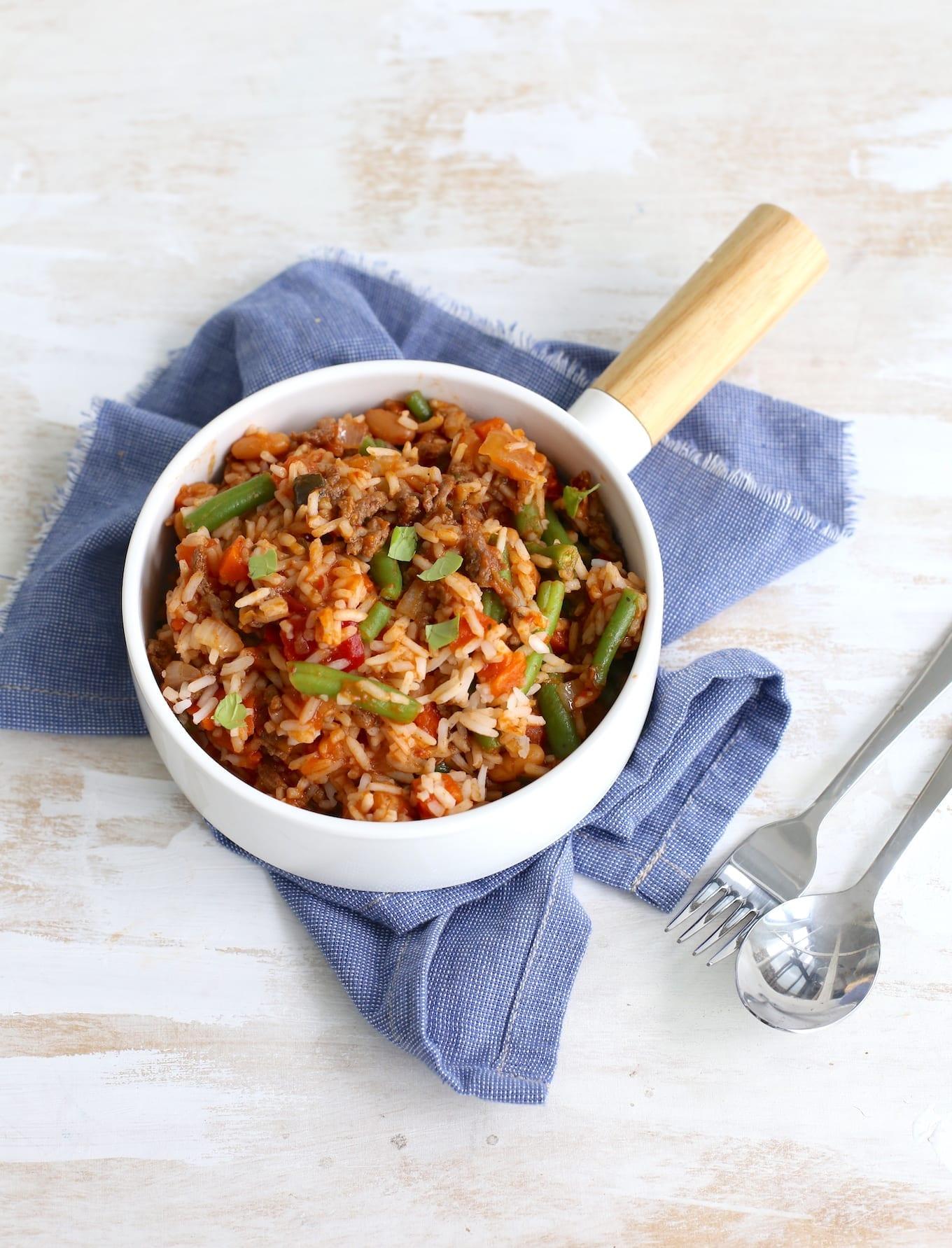Rijstschotel met bonen en gehakt