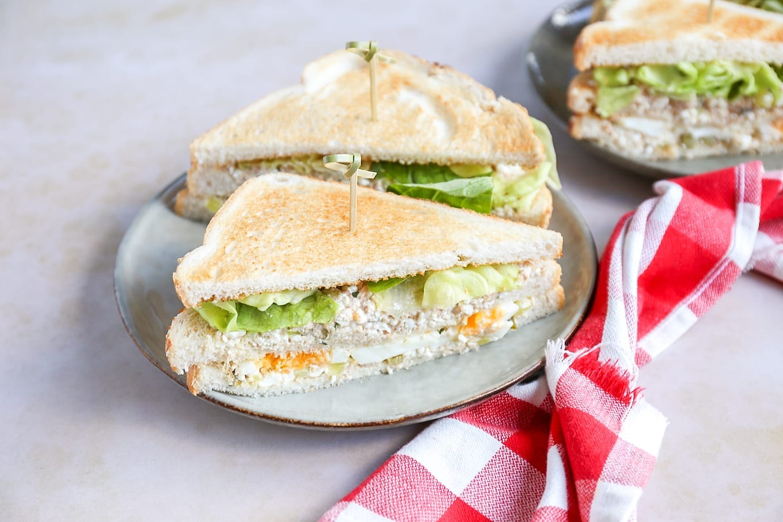 Club sandwich met tonijn