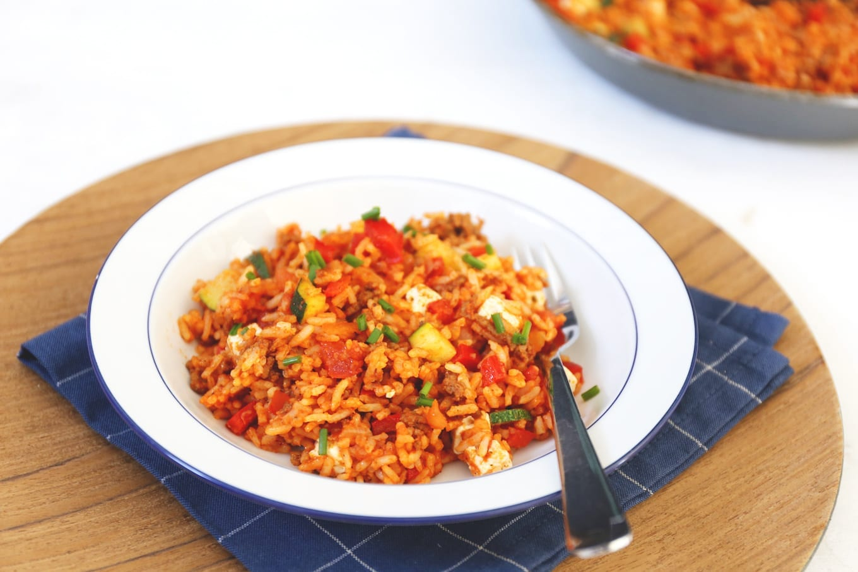Rijstschotel met feta en gehakt
