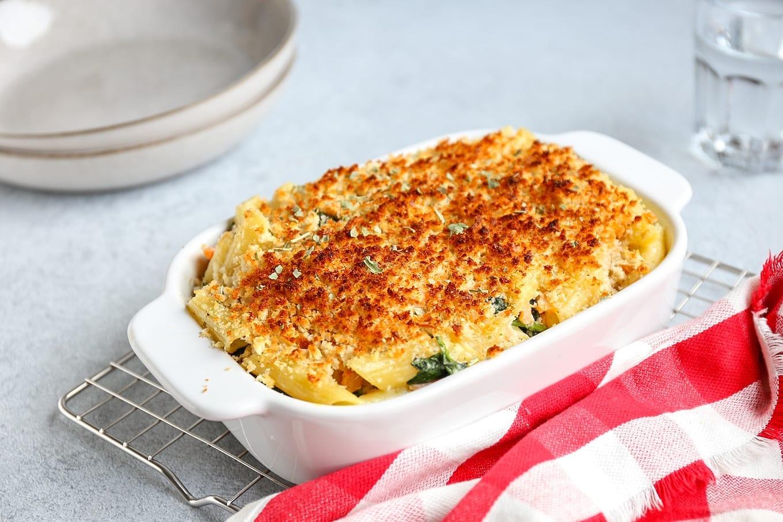Pasta ovenschotel met zalm en spinazie