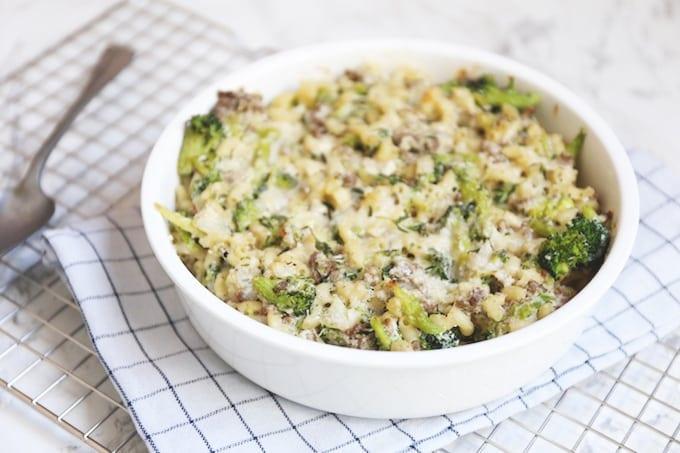 Macaroni ovenschotel met gehakt en broccoli