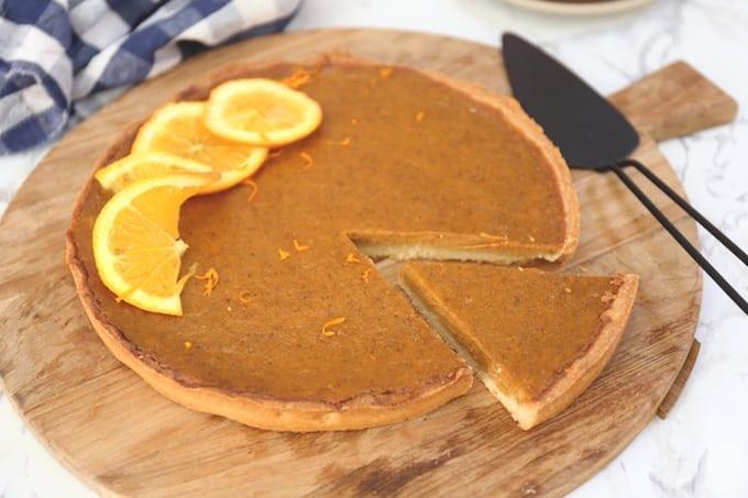 Zoete pompoentaart met sinaasappel en speculaas