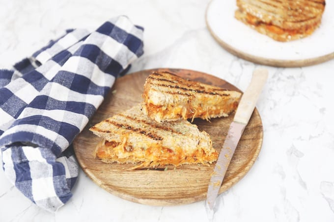 Pulled chicken tosti