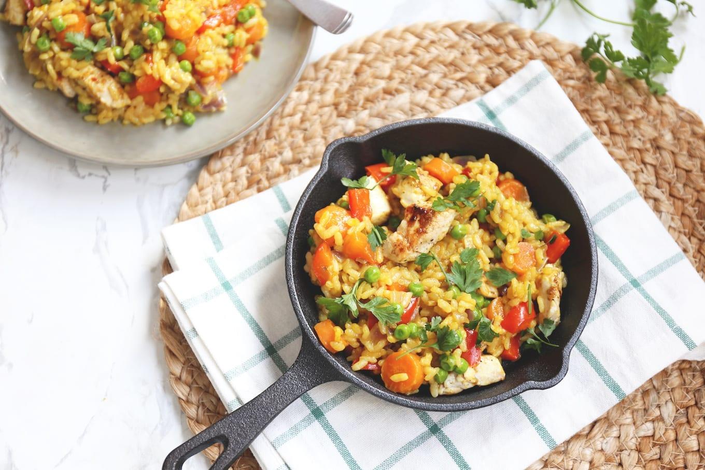 Eenpansgerecht met rijst en kip