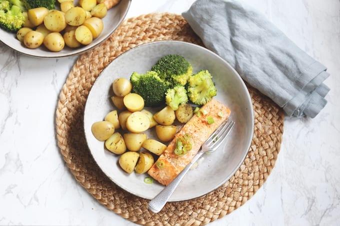 Aziatische zalm met broccoli en krieltjes
