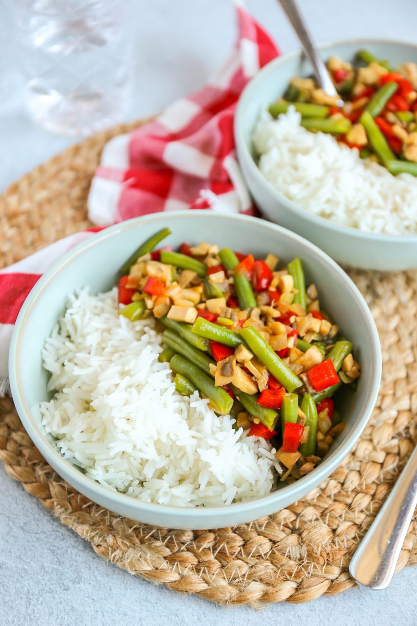 Gewokte groenten met rijst