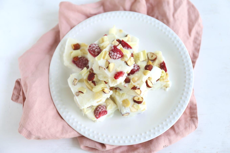Yoghurt repen met noten en fruit