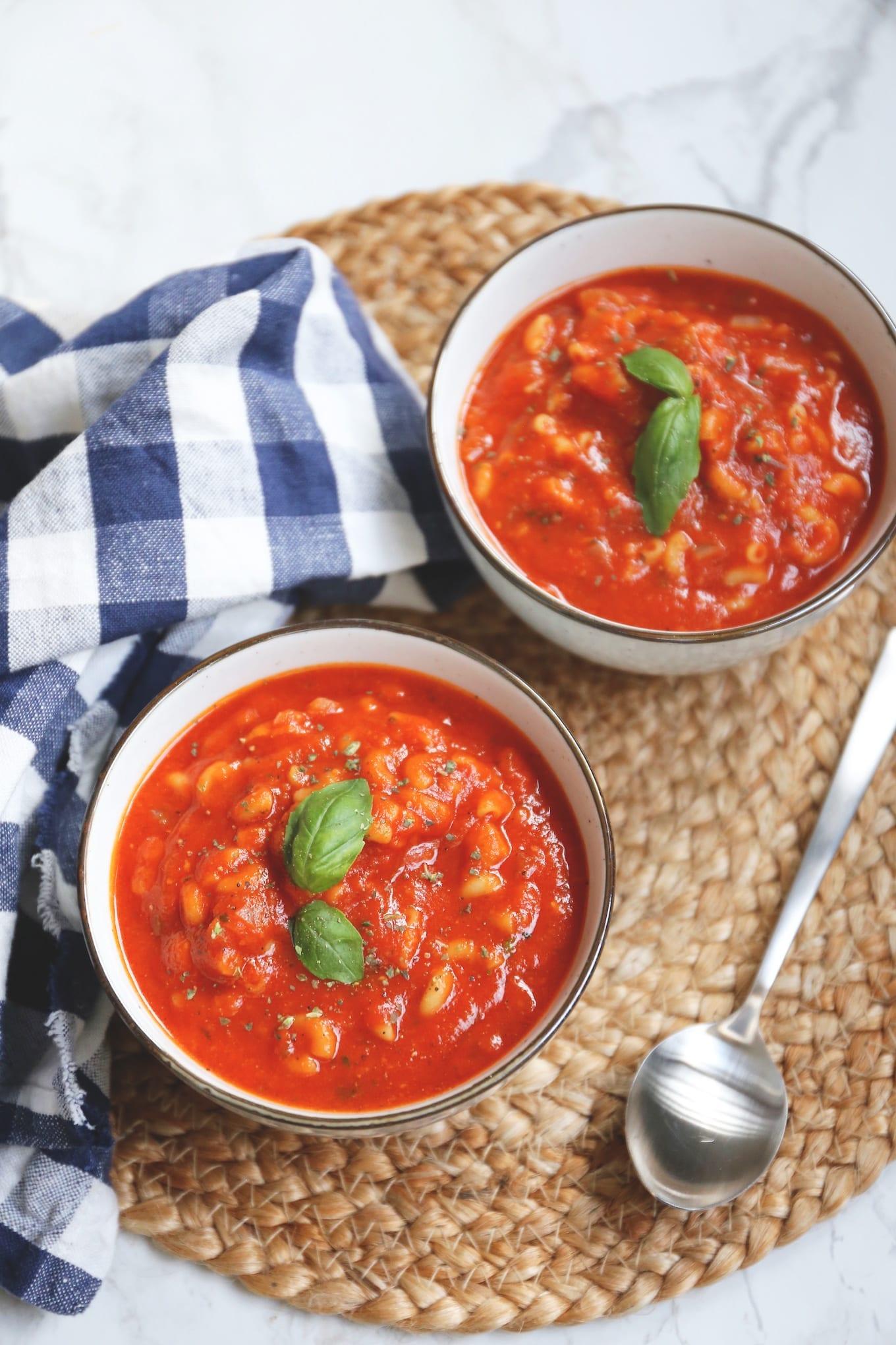 tomatensoep met pasta en kip