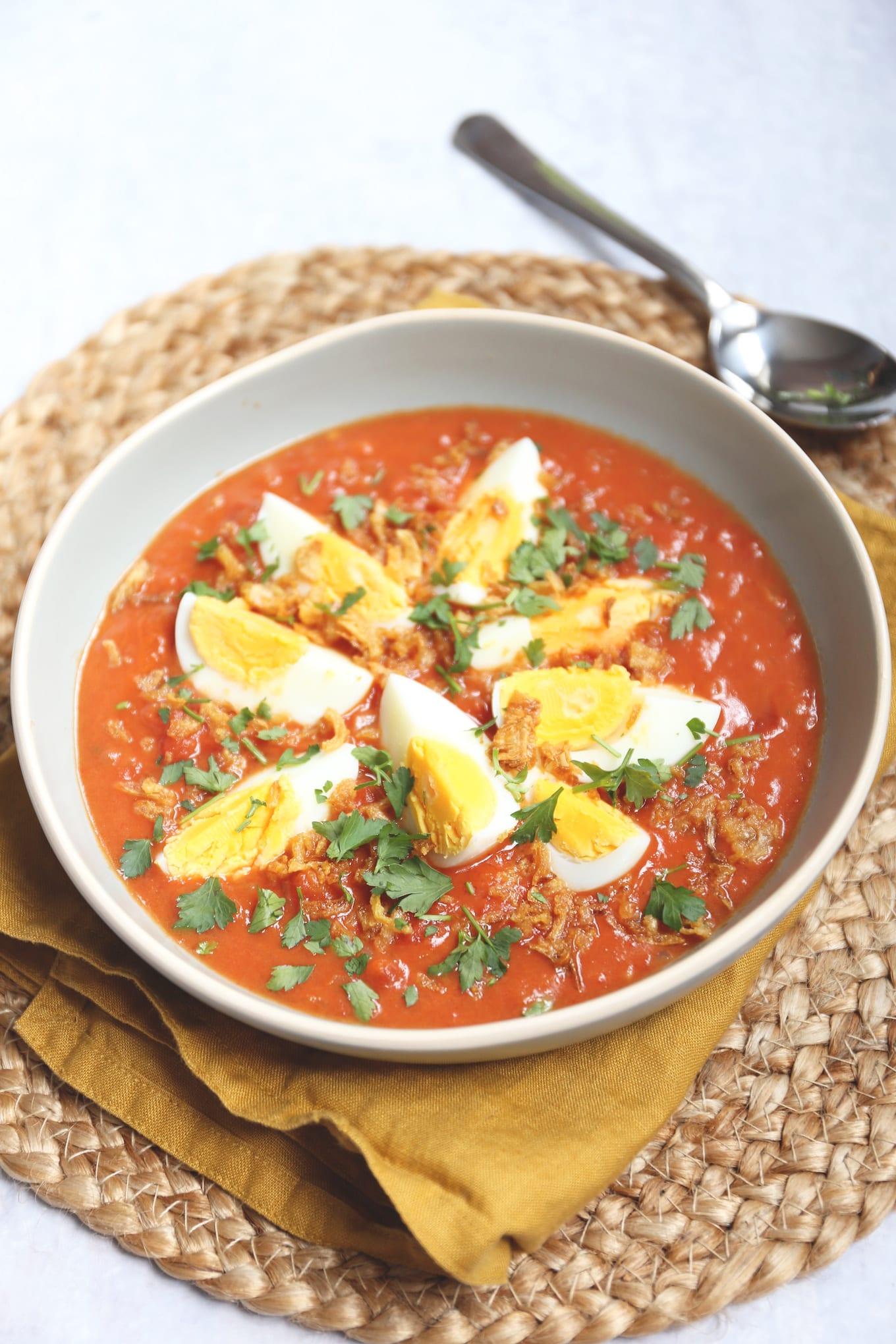 Indische eieren in tomatensaus