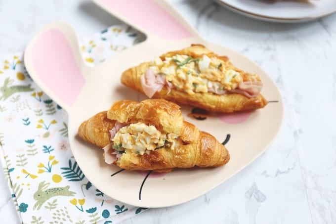 Gevulde croissantjes met eiersalade