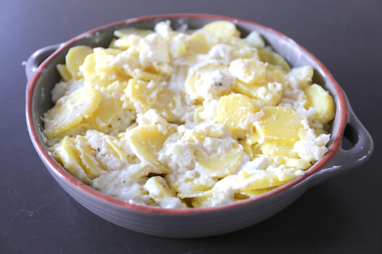 Aardappelschotel met bloemkool