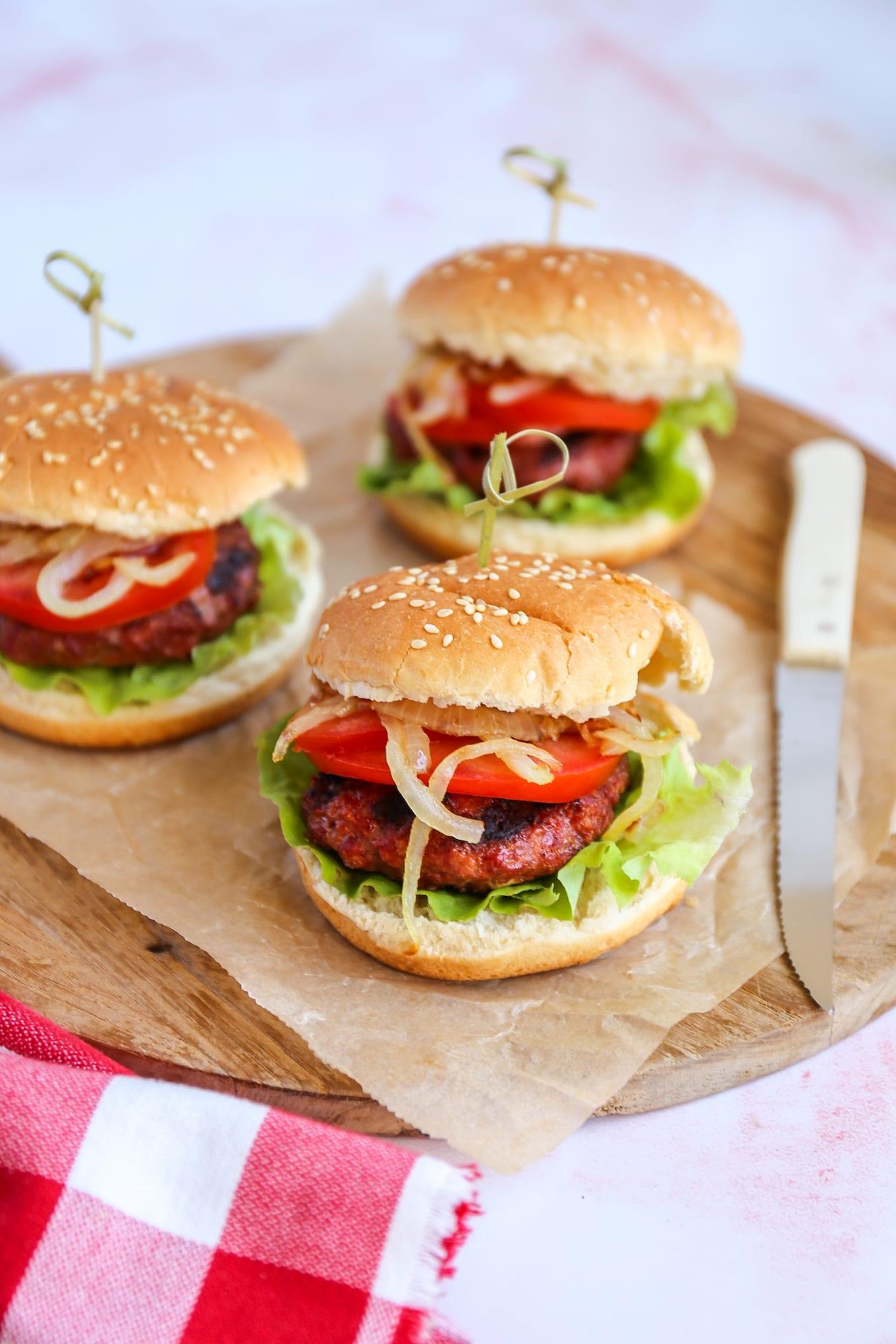 Hamburger van de barbecue