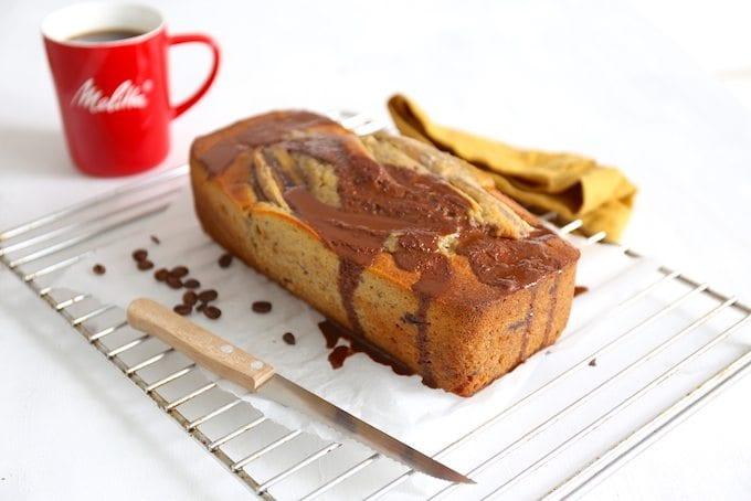 Bananenbrood met koffie