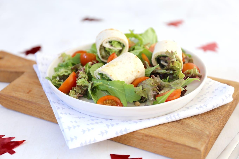 Salade met wraprolletjes