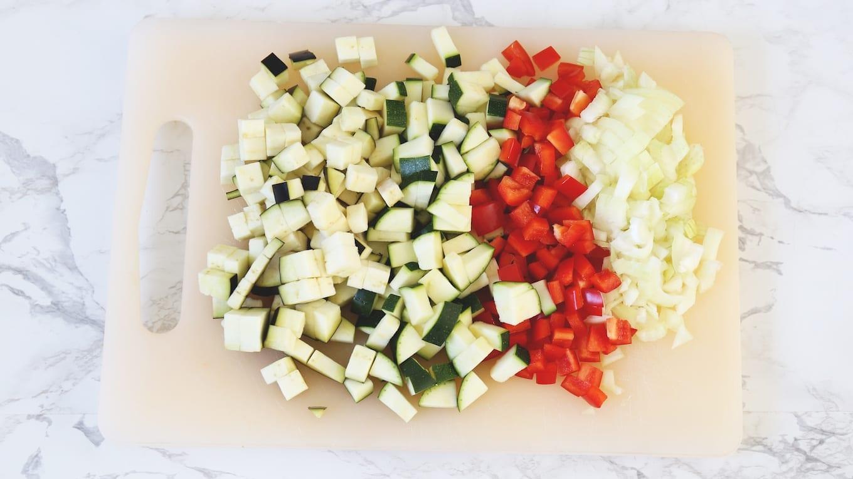 Zomerse ovenschotel met kip en aubergine