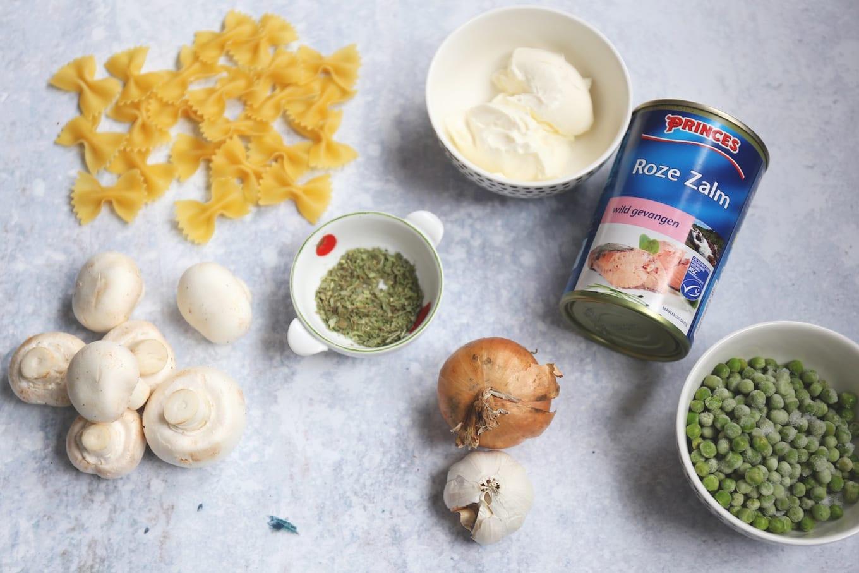 Benodigdheden romige pasta met zalm