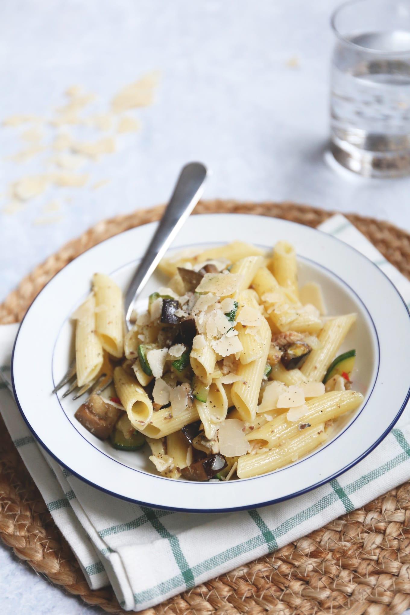pasta met sardines en courgette