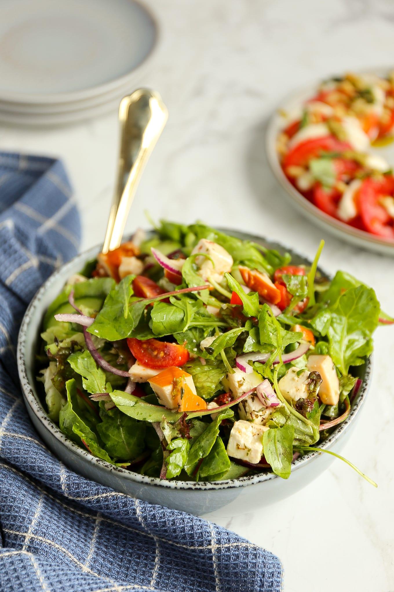 Griekse salade met kip