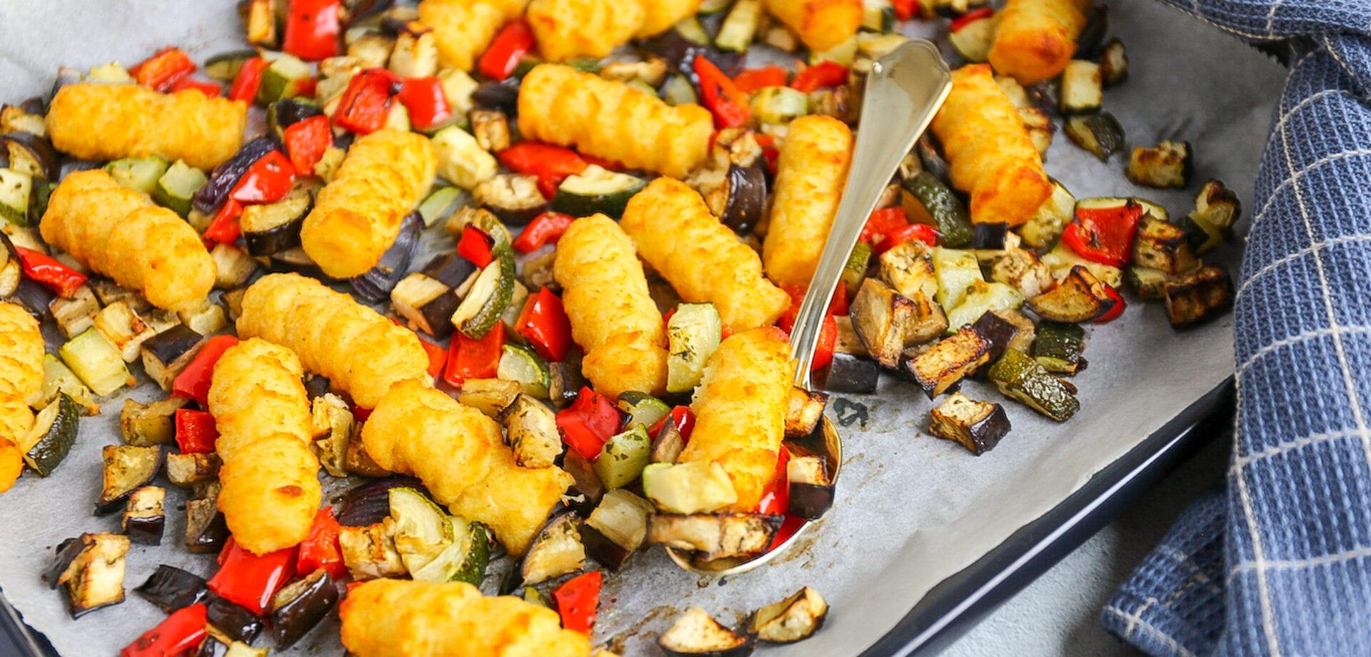 bakplaat met aardappelkroketjes
