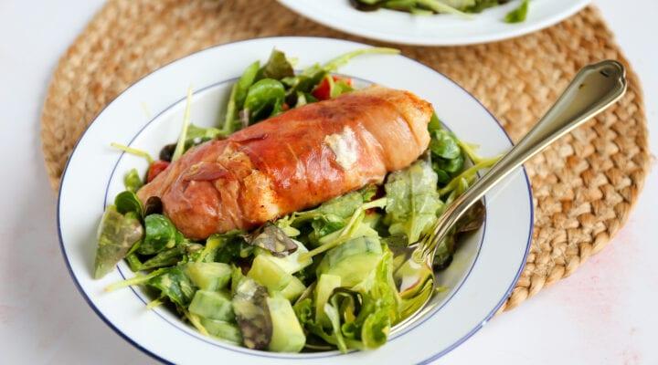 salade met kip in parmaham