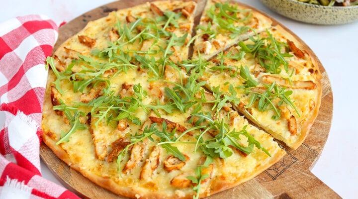 pizza alfredo met kip