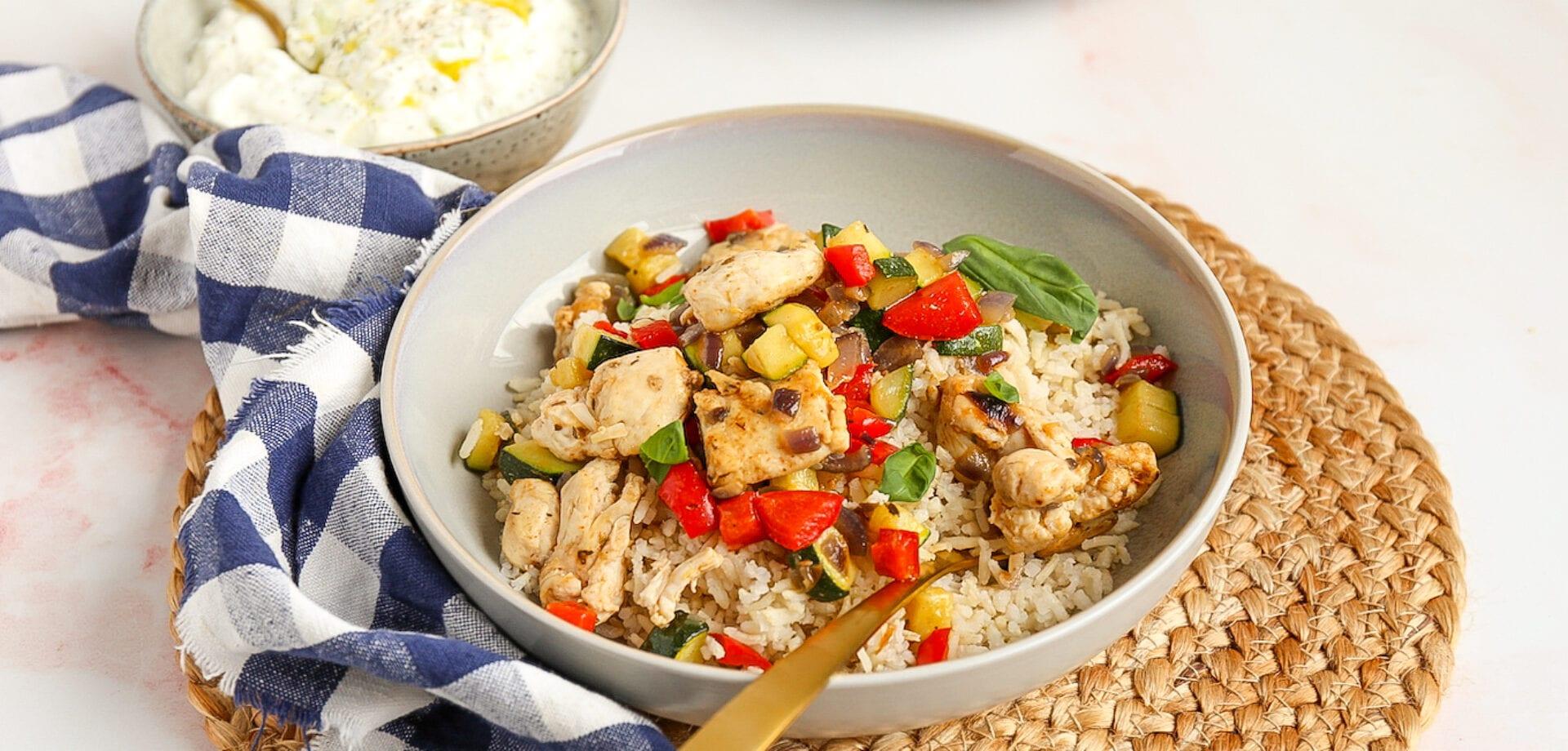 Gyrosschotel met kip en rijst