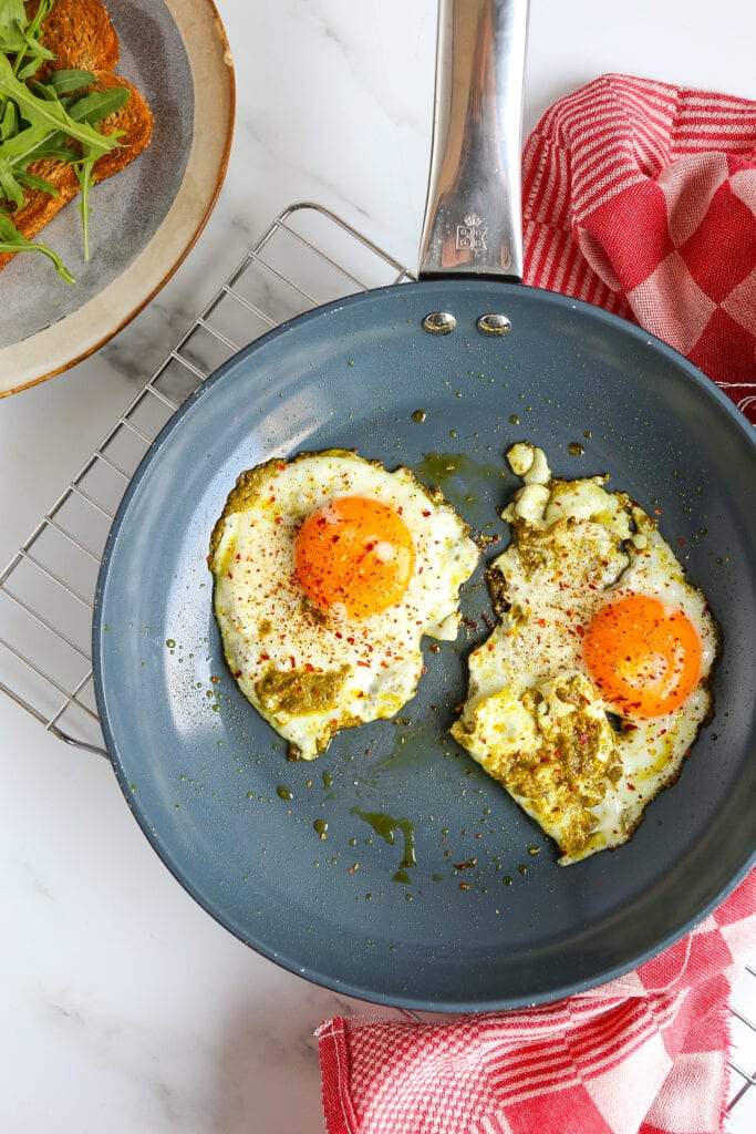 pesto eieren