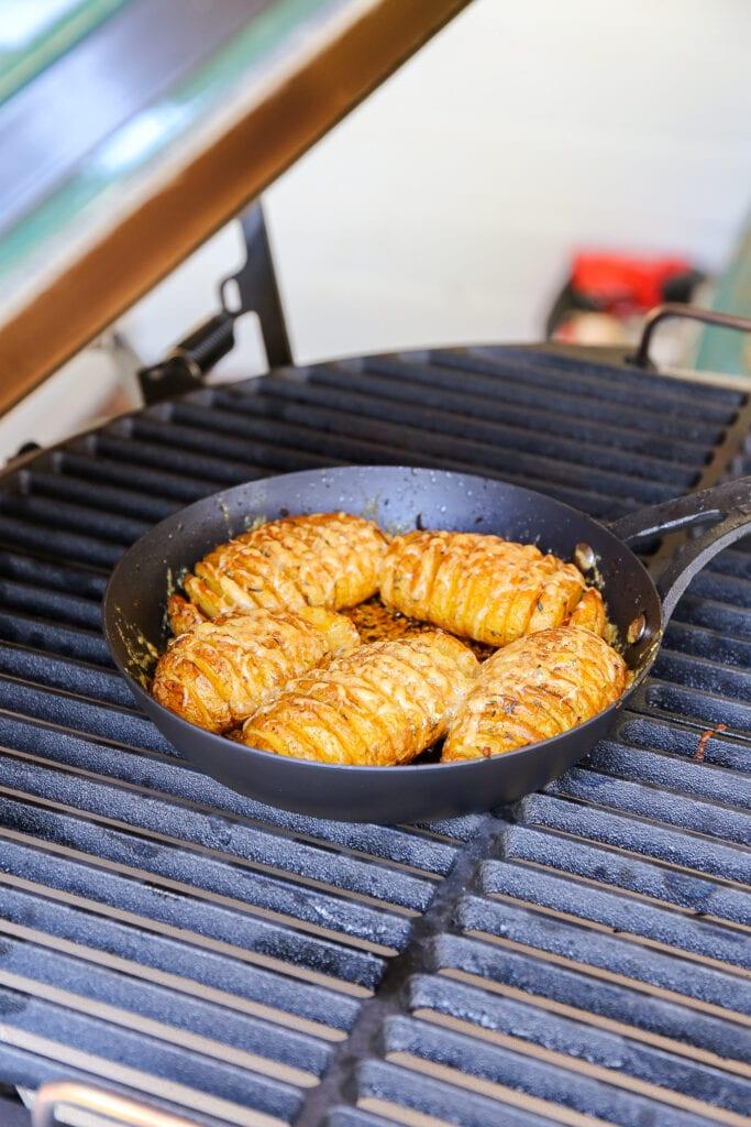 hasselback aardappels van de bbq