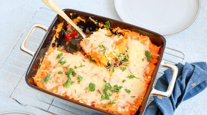 zoete aardappel ovenschotel met gehakt en prei
